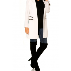 Splendid long white fluid jacket with double zip pockets.